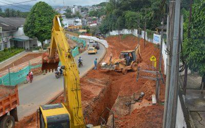 Avanzamos en la construcción del colector de agua residual de 36 pulgadas, en el Barrio El Porvenir
